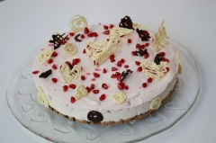 Granatäppel- och vitchokladcheesecake, glutenfri